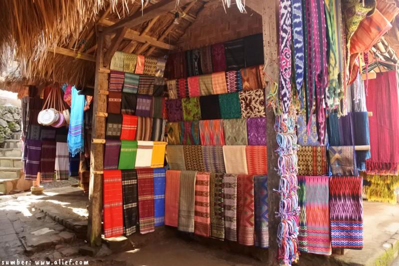 9 Fakta Unik Tentang Kain Tenun Khas Suku Sasak Lombok