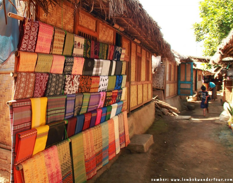 Ragam Keistimewaan Motif Kain Tenun Songket Lombok